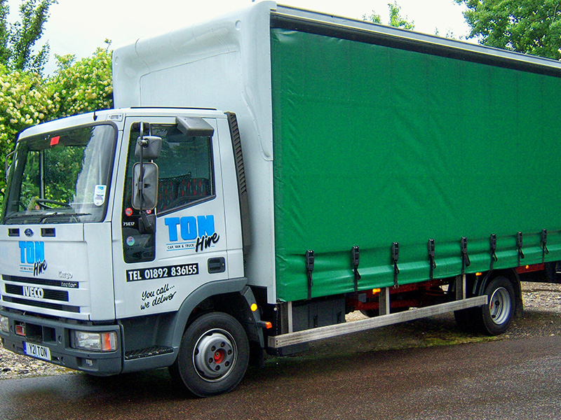 Iveco 7 5t gross Curtain Side/ Drop Side - Ton Hire